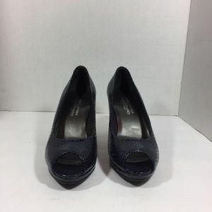 Stuart Weitzman Women's Blue Heel Size 6.5